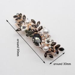 Elegant hair clip with black crystal flowers