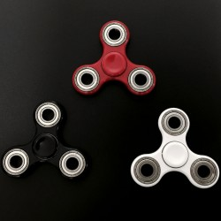 Plastic EDC Hand Tri-Spinner For Autism And ADHD