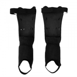 Soccer shin pads with ankle protection